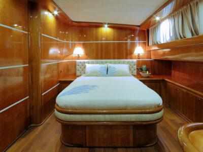Guest Cabin 1 (2)