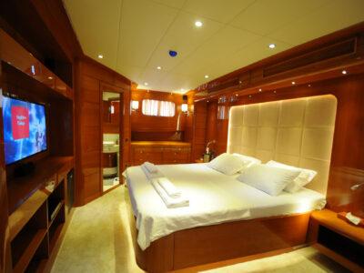 main-deck-mastercabin1