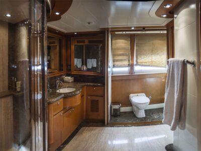 ariela motor yacht 13