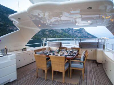 ariela motor yacht 6