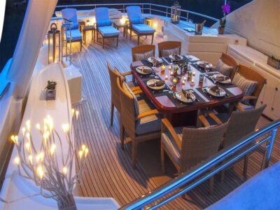 ariela motor yacht 8