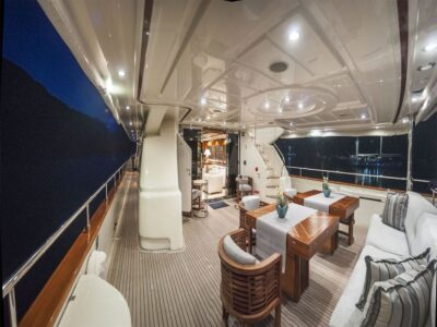 ariela motor yacht 9