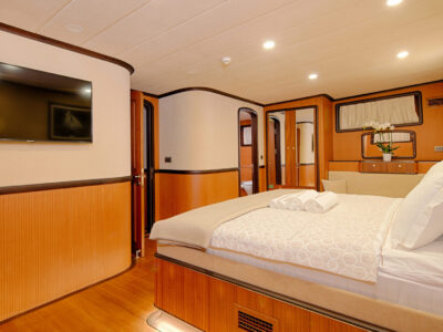 QOS cabin BOW MASTER (10)