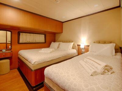 QOS cabin TRIPLE (2)